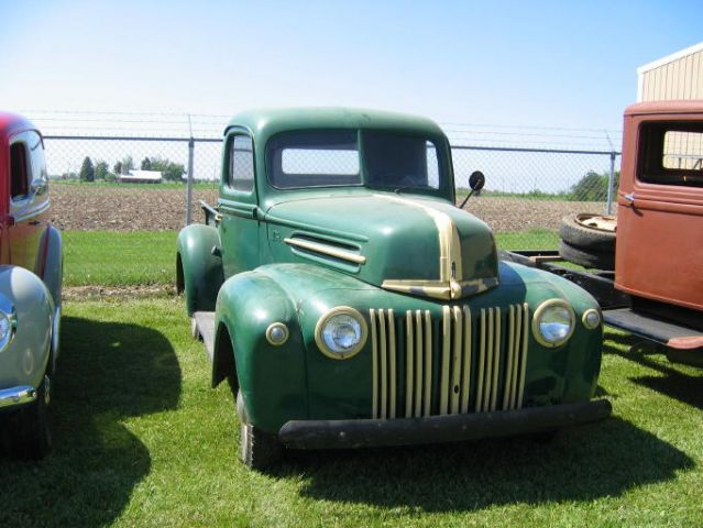 Watch additionally 80 To 100 Vintage Detroit Projects Colorado Yard Sale together with 1011dp Diesel Truck Buyers Guide furthermore Newberg Old Fashioned Festival Antique Fire Trucks 2 in addition 1940 Studebaker President C 48. on antique project trucks